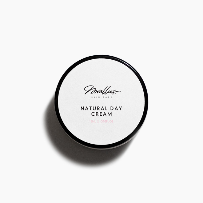 """<div class=""""most-popular-slider-product-name""""><p class=""""product-name-para article-text para-bold"""">Natural Day Cream</p></div><div class=""""most-popular-slider-product-price""""><p class=""""article-text"""">15mL</p></div>"""